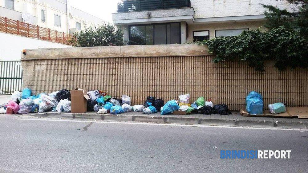 Bloccato il conferimento dei rifiuti riunione in for Conferimento rifiuti
