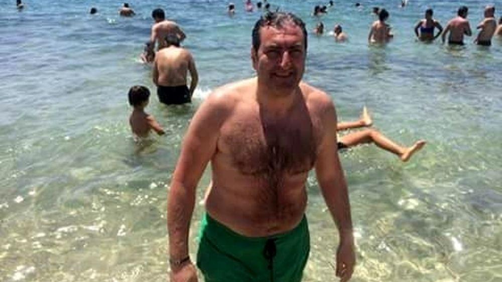 Bruno in costume da bagno sfida renzi no alle trivelle nel nostro mare - Costume da bagno fenicottero ...