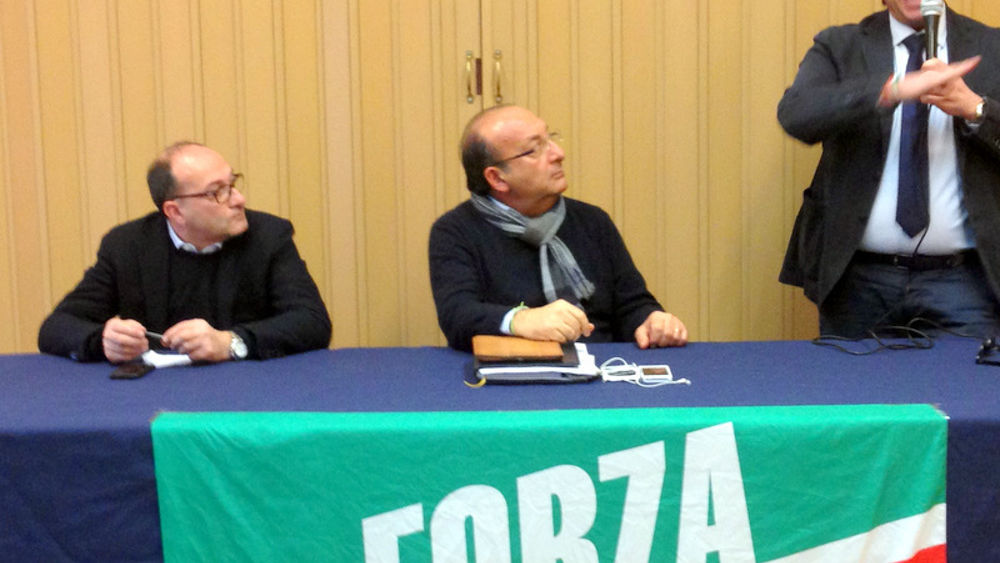 I parlamentari pugliesi di forza italia contro vitali un for Deputati di forza italia