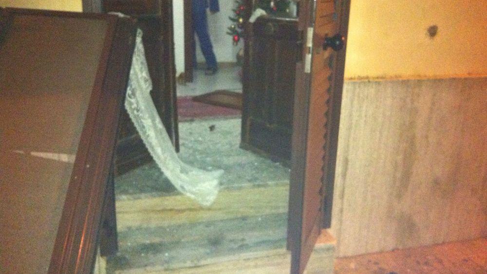 Esplosione notturna colpita la casa di un netturbino del for La porta media