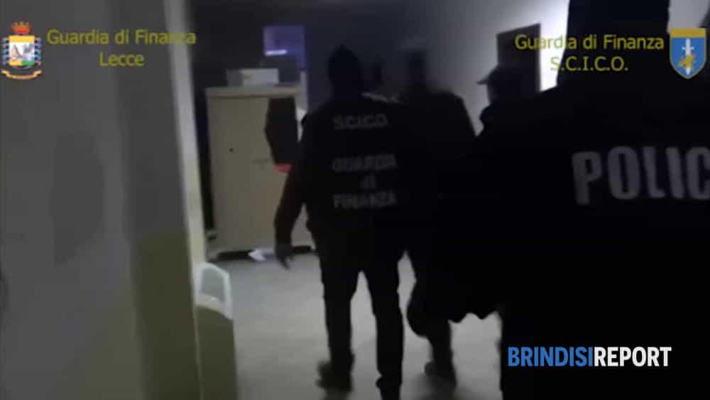 30fb594c16 Armi e droga dall'Albania, le immagini degli arresti